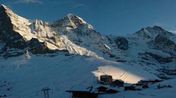 Lyžařská oblast Jungfrau s více než dvěma stovkami kilometrů sjezdovek je