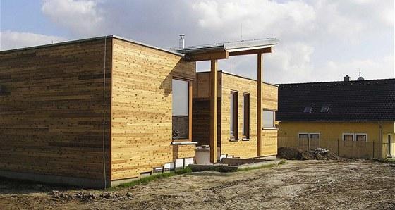 Rychlou realizaci dřevostavby umožní konstrukční systémy využívající továrně