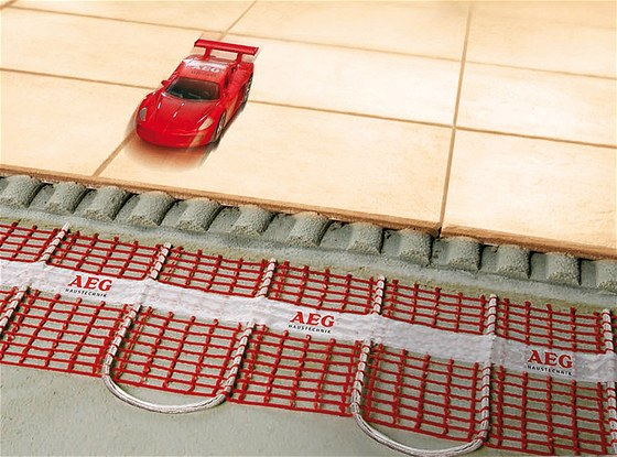Roho�e syst�mu Thermo Boden dosahuj� v�konu 150 W/m2, co� je ide�ln� hodnota
