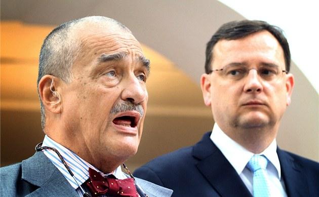 Ministr zahrani�í Karel Schwarzenberg vysv�tluje dosavadní zdr�enlivost tím, �e nebylo jisté, kdo vlastn� v Libyi vládne.