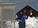 Anton�n Vojvod�k u meteorologick� m���c� stanice v Kvild� na �umav�