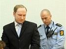 Anders Behring Breivik u soudu, kter� rozhoduje o jeho prodlou�en� vazby (6.
