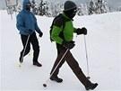 Skalním turistům silný mráz nevadí, i tak si výšlap na Lysou horu chtějí