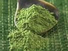 Matcha je velmi kvalitní zelený čaj rozdrcený na prášek. Používá se zejména při