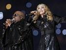 Madonna a Cee Lo Green při vystoupení o přestávce Super Bowlu.