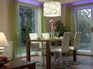 Nepřímé osvětlení z LED pásků podél oken je stmívatelné, barvu lze měnit podle