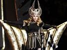 Madonna vystoupila na Super Bowlu (5. února 2012).