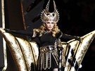 Madonna vystoupila na Super Bowlu (5. �nora 2012).