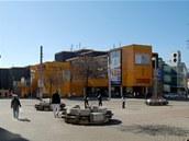 Obchodní dům Tesco (dříve Ještěd) od slavných architektů Hubáčka a Masáka byl