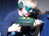 Výrobci prodávají i dětské varianty svého nářadí, vychovávají si budoucí zákazníky.