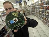 Na VHS a DVD s filmem Matrix se v videopůjčovnách stály fronty ...