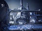 Hlavní úspora obalové technologie podle Aera spočívá v tom, že stroj po technické stránce ztrácí na hodnotě jen zcela minimálně. Na údržbu také stačí méně lidí. Rozhodujícím (tedy nejdražším) prvkem, o nějž je třeba pečovat, je motor. (3. února 2012, Vodochody).