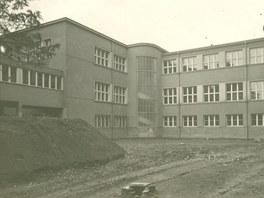 Zbouran� opera�n� s�ly star� Masarykovy nemocnice od architekta Perthena