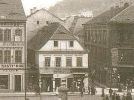 Rohový dům byl poslední středověkou stavbou na ústeckém Mírovém náměstí.