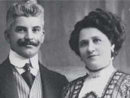 Jeden z prvních českých majitelů biografu František Ponec s manželkou a