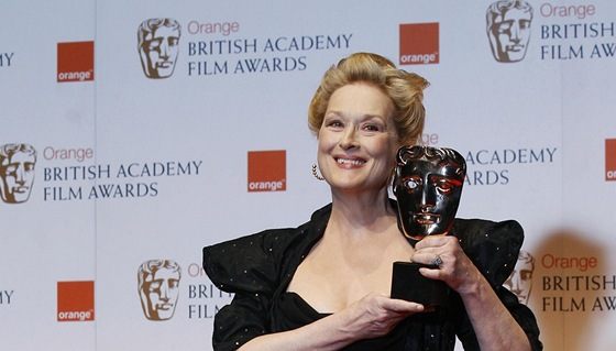 Britské ceny BAFTA - Meryl Streepová s cenou za Železnou lady (Londýn, 12.