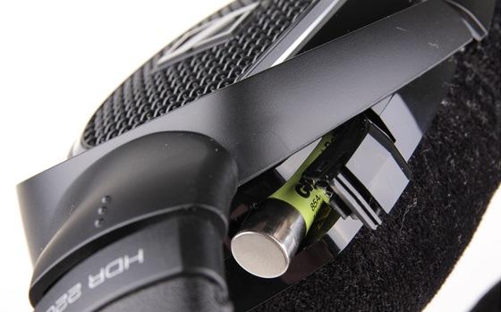 Sennheiser RS220 - detail akumulátoru