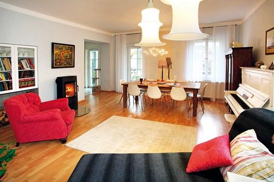 Světlý prostor v příjemné barevnosti, to bylo přání majitelky domu.