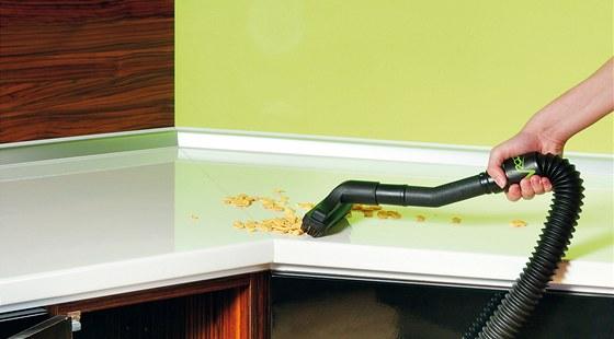 Vroom je pomocník k rychlému úklidu, je vhodný pro malé plochy a suché