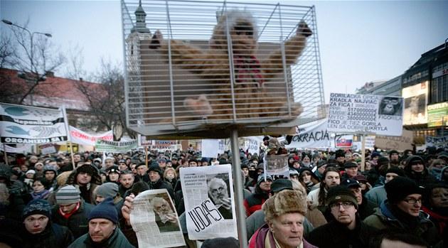 Protesty proti korupci v Bratislav� (10. února 2012)