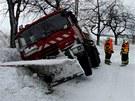 V T�sku nedaleko B�lovce na Novoji��nsku se mimo vozovku ocitl dokonce i