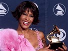 Whitney Houston s cenou Grammy v roce 2000.
