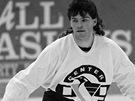 """MULLET. Tak ��kali v Americe J�grov� """"dece"""", h��v� a� na z�da. V Pittsburghu za�il nejlep�� l�ta kari�ry, u� v roce 1991 vyhr�l sv�j prvn� Stanley Cup a za rok n�sledoval druh�."""