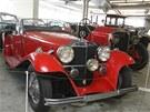 Historick� vozy v Muzeu aut podnikatele a sb�ratele Ladislava Samoh�la.