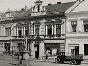 Budova záložny na náměstí Míru ve Zlíně na snímku z roku1942