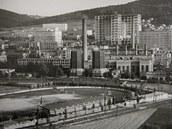 Baťovy závody i se stadionem klubu SK Baťa na snímku z roku 1937
