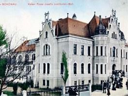 Secesní lázně z roku 1908 sloužily v Teplicích svému účelu ještě počátkem 90.