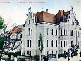 Secesn� l�zn� z roku 1908 slou�ily v Teplic�ch sv�mu ��elu je�t� po��tkem 90.