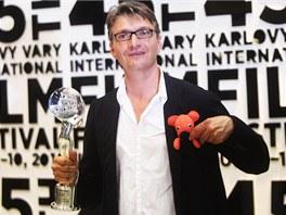 MFFKV 2010 - režisér Jan Svěrák s cenou za film Kuky se vrací