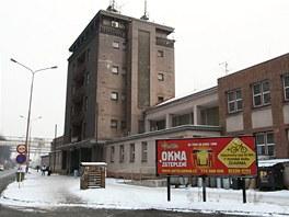 Budova vlakového nádraží v Třinci v současné podobě. (7. února 2012)