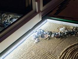 Detail pochozí skleněné části podlahy v předsíni