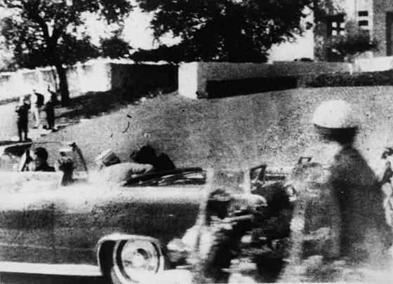 Snímek smrti Johna F. Kennedyho 22. listopadu 1963 z Polaroidu Mary Moormanové