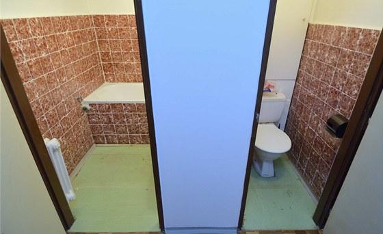 Koupelna a WC byly sice vyzd�n� u� od po��tku, ale mor�ln� �ivotnost u� d�vno