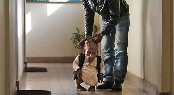 Čandra Bahádur Dangi je nejmenší člověk na světě (26. února 2012).