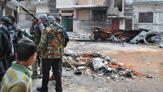 Syr�tí rebelové v Homsu (28. února 2012)