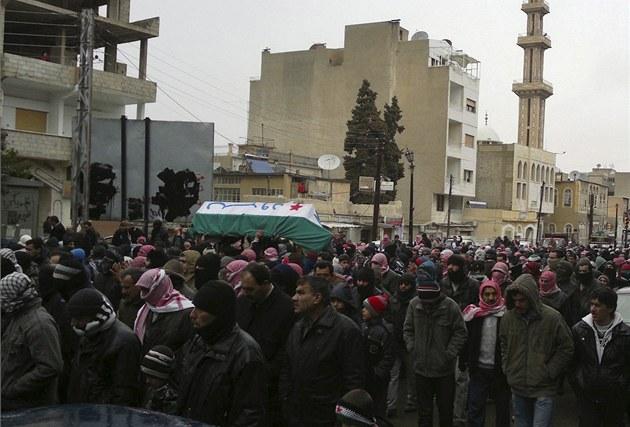 Poh�eb demonstranta v p�edm�stí Dama�ku.