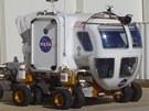 Lunární vozítko za čtyři a půl milionu dolarů. Nakonec přežije i své angažmá v...