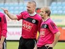 V DOBR� N�LAD�. Bud�jovi�t� fotbalist� Tom� �epka a Rudolf Otepka (vpravo) si