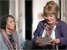 Jiřina Bohdalová a Jiřina Jirásková ve filmu Vrásky z lásky