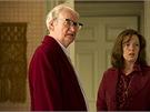 Jim Broadbent a Olivia Colman ve filmu Železná lady