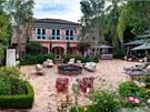 Bývalé sídlo Osbournových koupila Aguilera za 11,5 milionů dolarů.