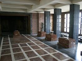 Hlavní sál mauzolea tak, jak už jej nikdy neuvidíte. Všechny náhorbyk byly z