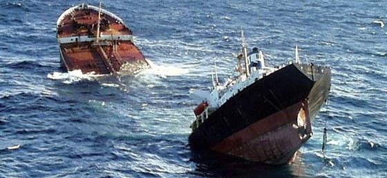 Vinu za havárii Prestige dala organizace Greenpeace španělským úřadům, které
