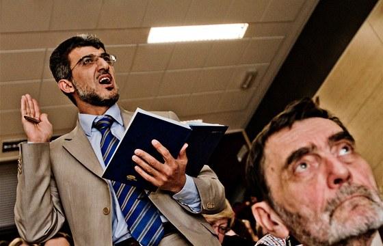 Muneeb Hassan Alrawi vyjadřuje nesouhlas s názory Jany Bobošíkové a pana