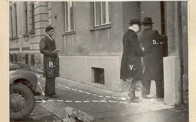 Policejní rekonstrukce vra�dy estébáka Aloise Dy�ky.