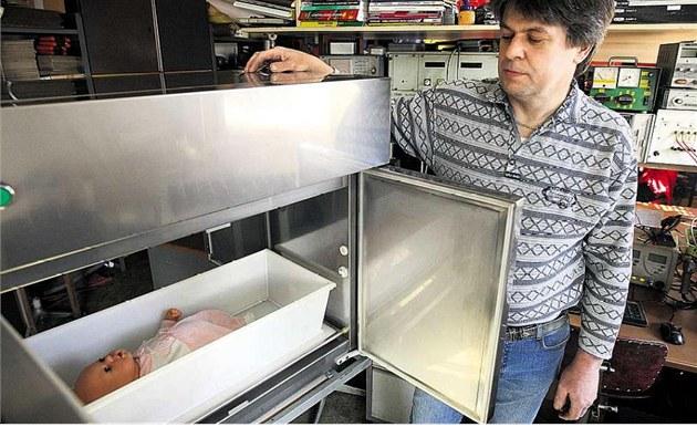 Firma Zde�ka Ju�ici vyvíjí nové modely babyboxu. Velký pokrok znamenalo jeho